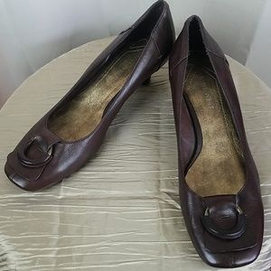 Nine West Brown Leather Kitten Heel EUC VROOMR